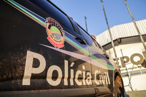Motorista atropela motociclista, foge e acaba preso em conveniência