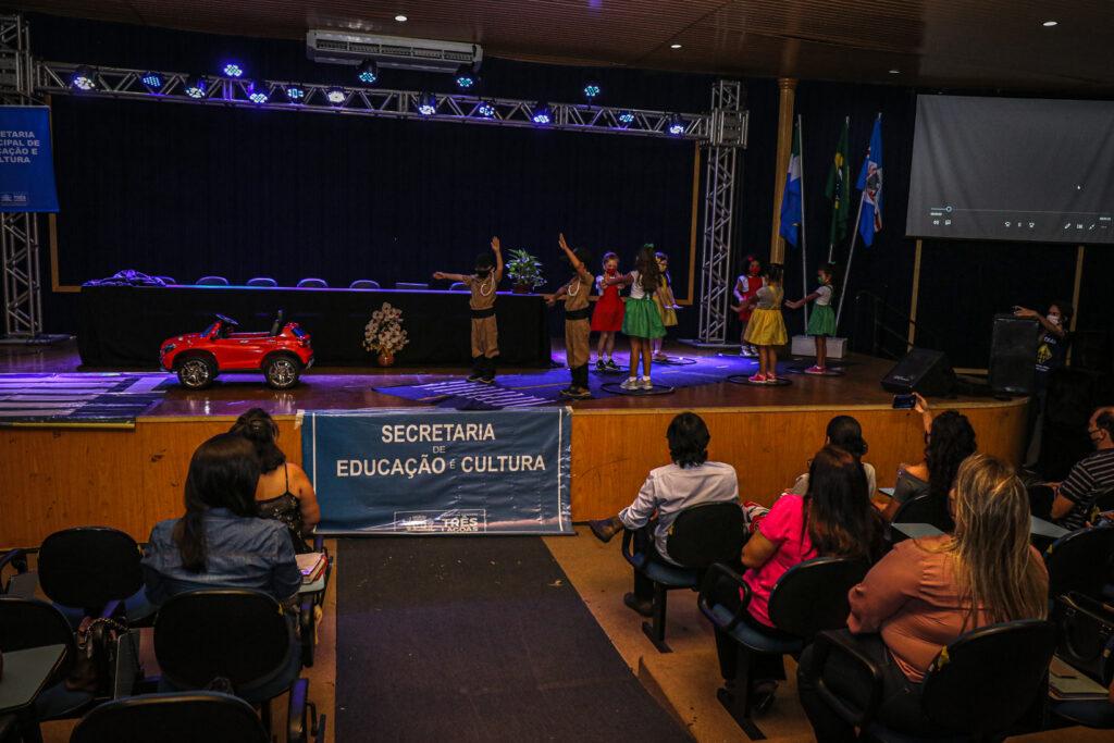"""SEMEC e PRF fazem lançamento do Projeto Pedagógico """"Educar PRF"""" em Três Lagoas"""