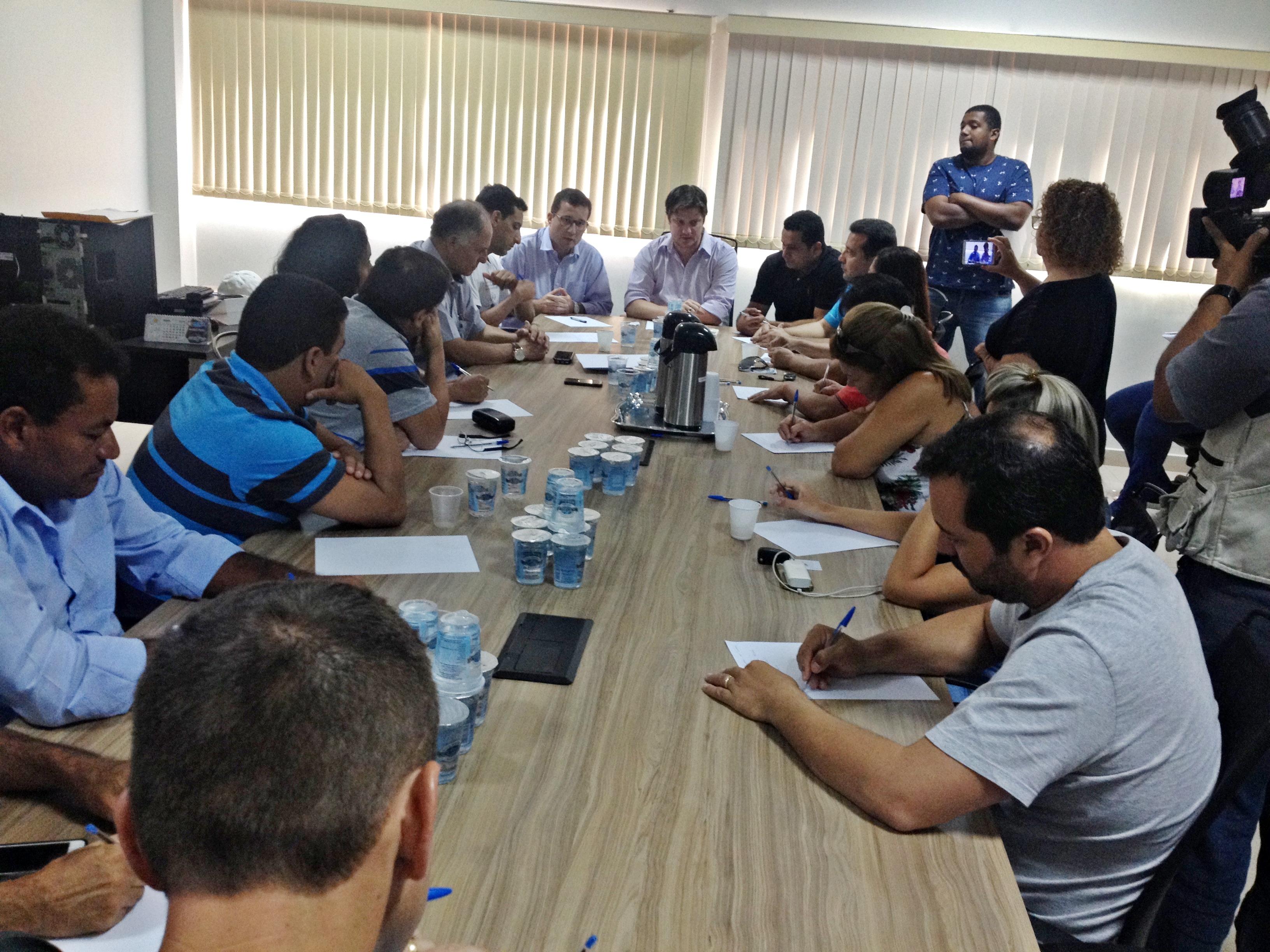 Vereadores se reúnem para discutir novo contrato da UFN3