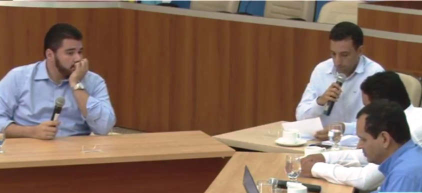 Antonio Empke sendo arguido na Comissão Processante.